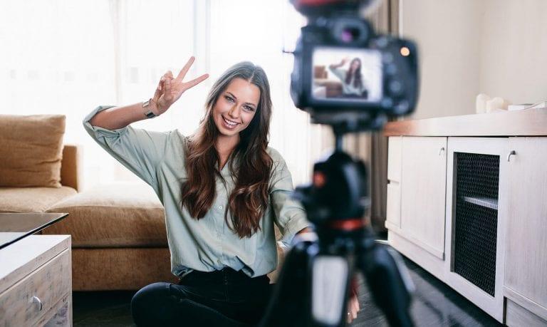 Cum să devii un vlogger de succes - Cele 8 reguli de aur